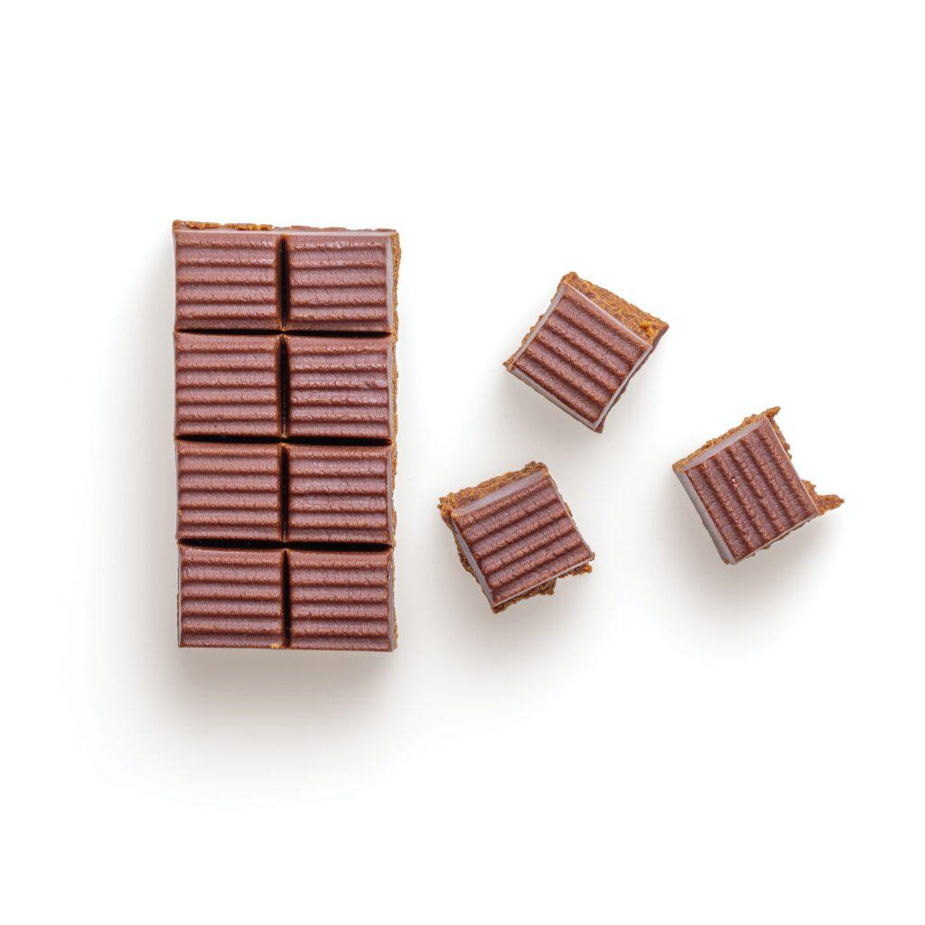 Blok czekoladowy z mlekiem roślinnym i orzechami macadamia