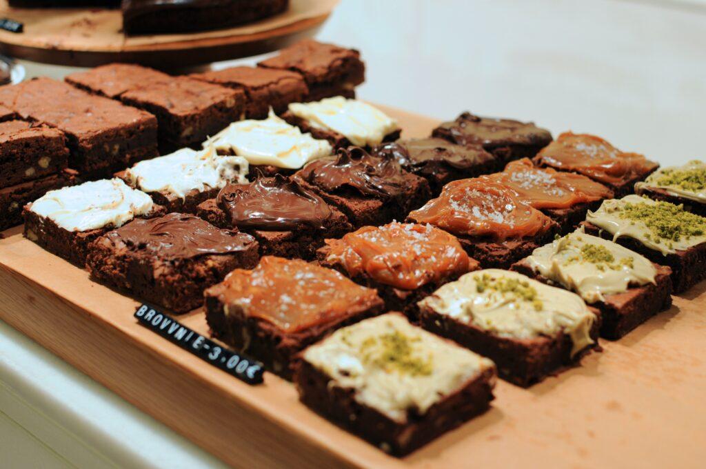 Słodycze na diecie – przepis na ciastka owsiane z kawałkami czekolady